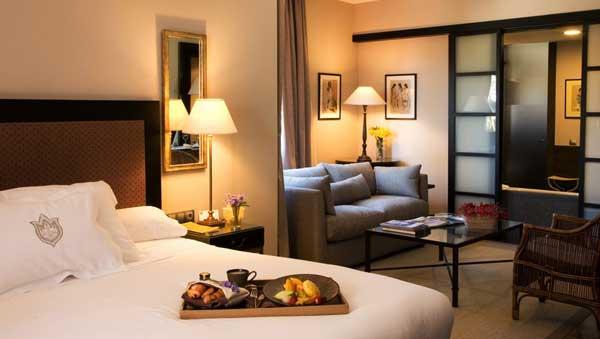chambre de luxe, ménage grand hotel